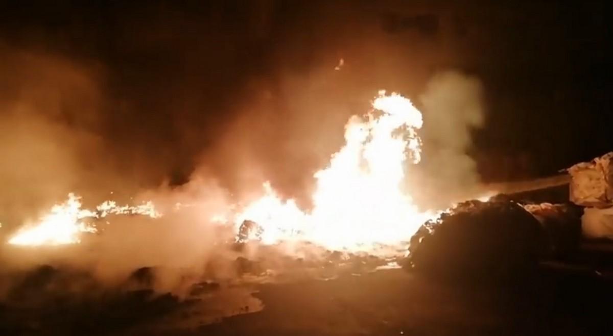Нічна пожежа на Закарпатті: фото, відео та перші подробиці