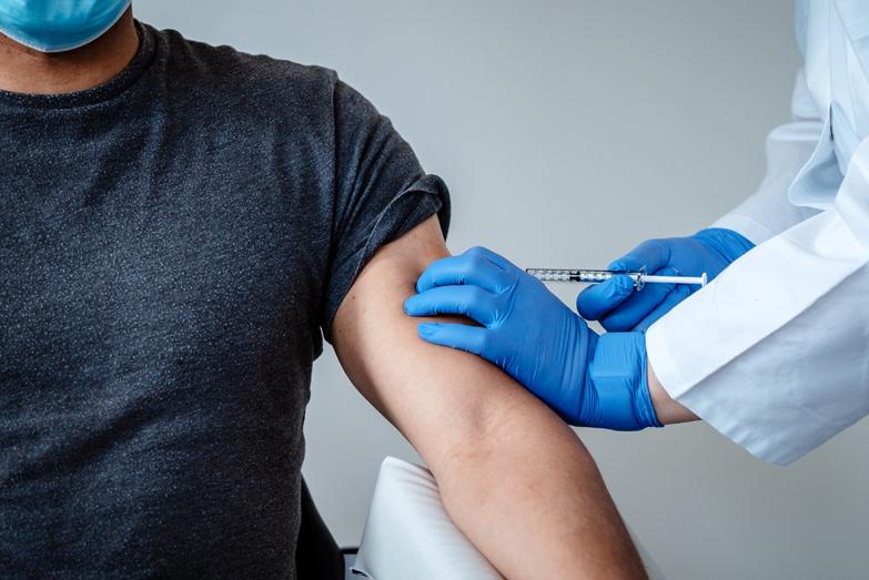 У мобільних пунктах на кордоні з Угорщиною вакцинувалися понад 20 000 закарпатців