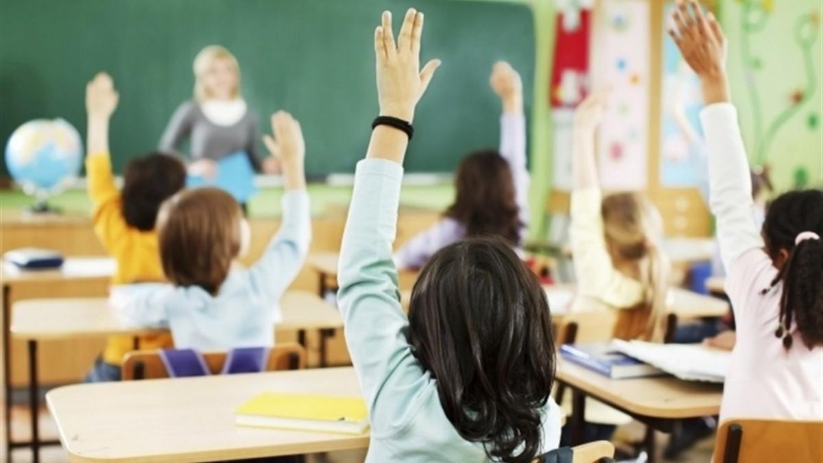 На Закарпатті батьків закликають вплинути на вчителів, які не хочуть вакцинуватися