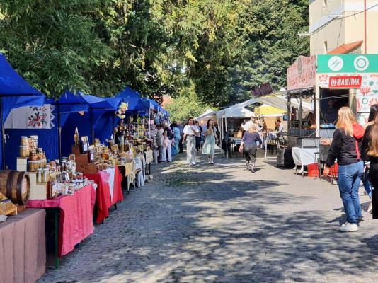 День Ужгорода: у центрі міста працює гастрономічний квартал