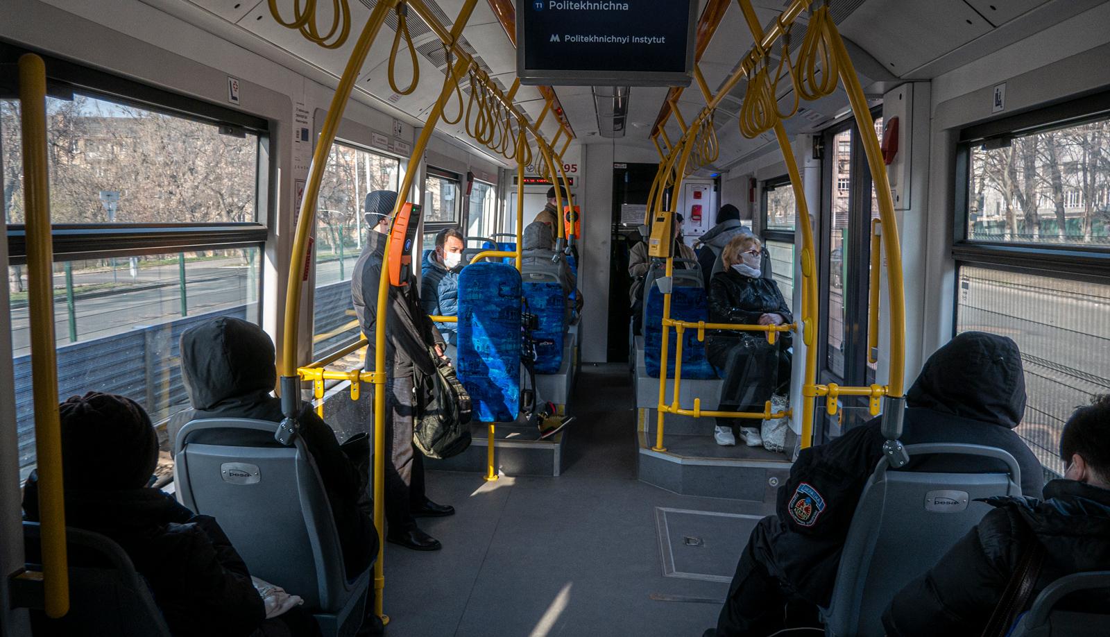 Шмигаль пояснив, як працюватиме громадський транспорт під час посиленого карантину