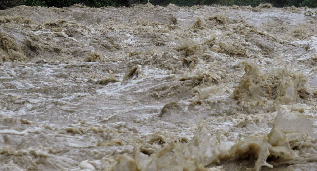 Закарпатців попереджають про підвищення рівнів води на річках