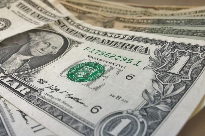 Курс долара зростає три дні поспіль: який курс очікувати далі