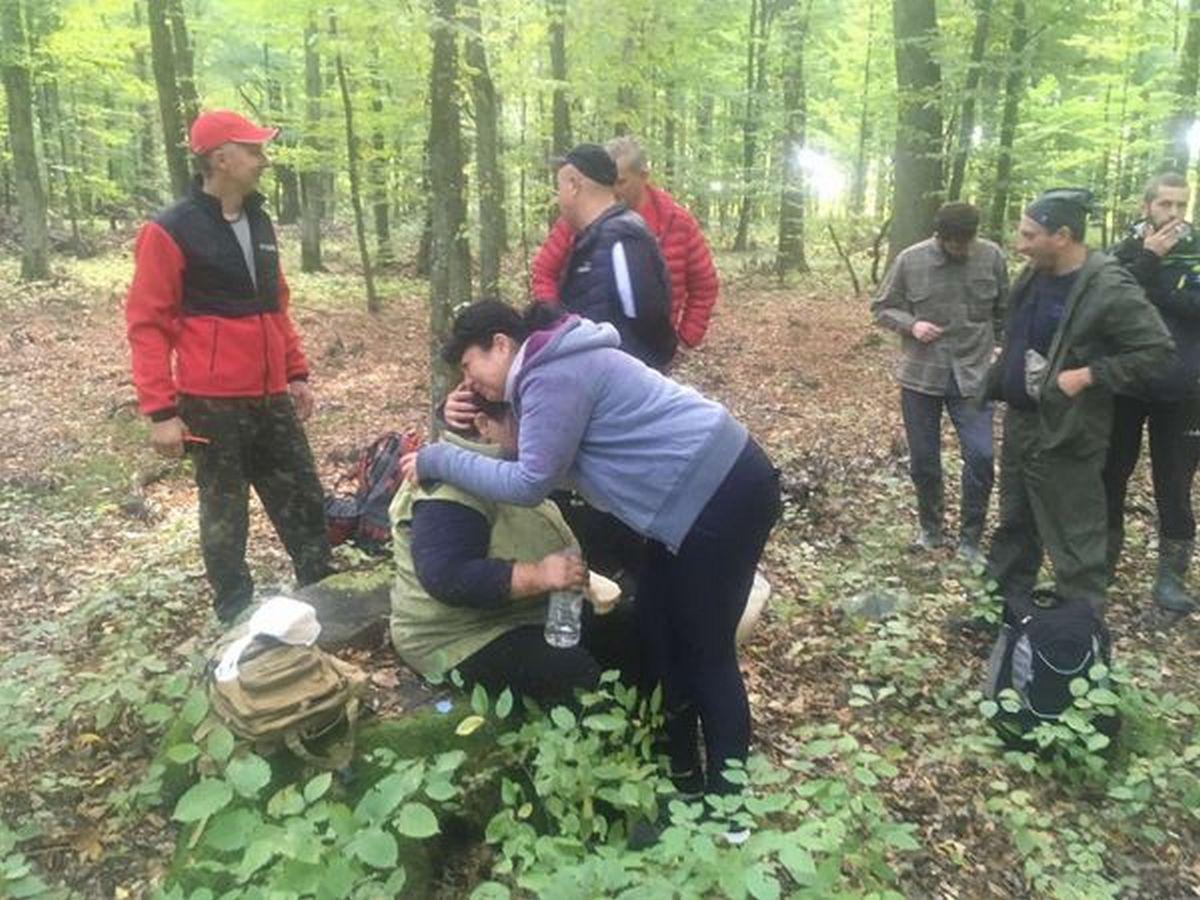 Рятувальники, місцеві жителі та військові всю ніч шукали зниклу пенсіонерку, яка пішла по гриби