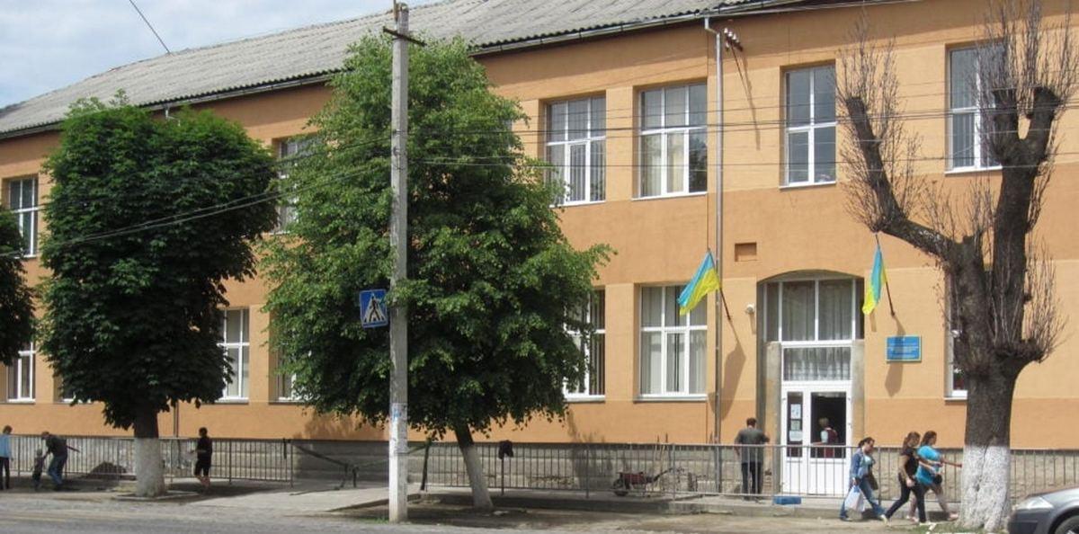 Всі заклади освіти громади Мукачева працюють у звичайному режимі