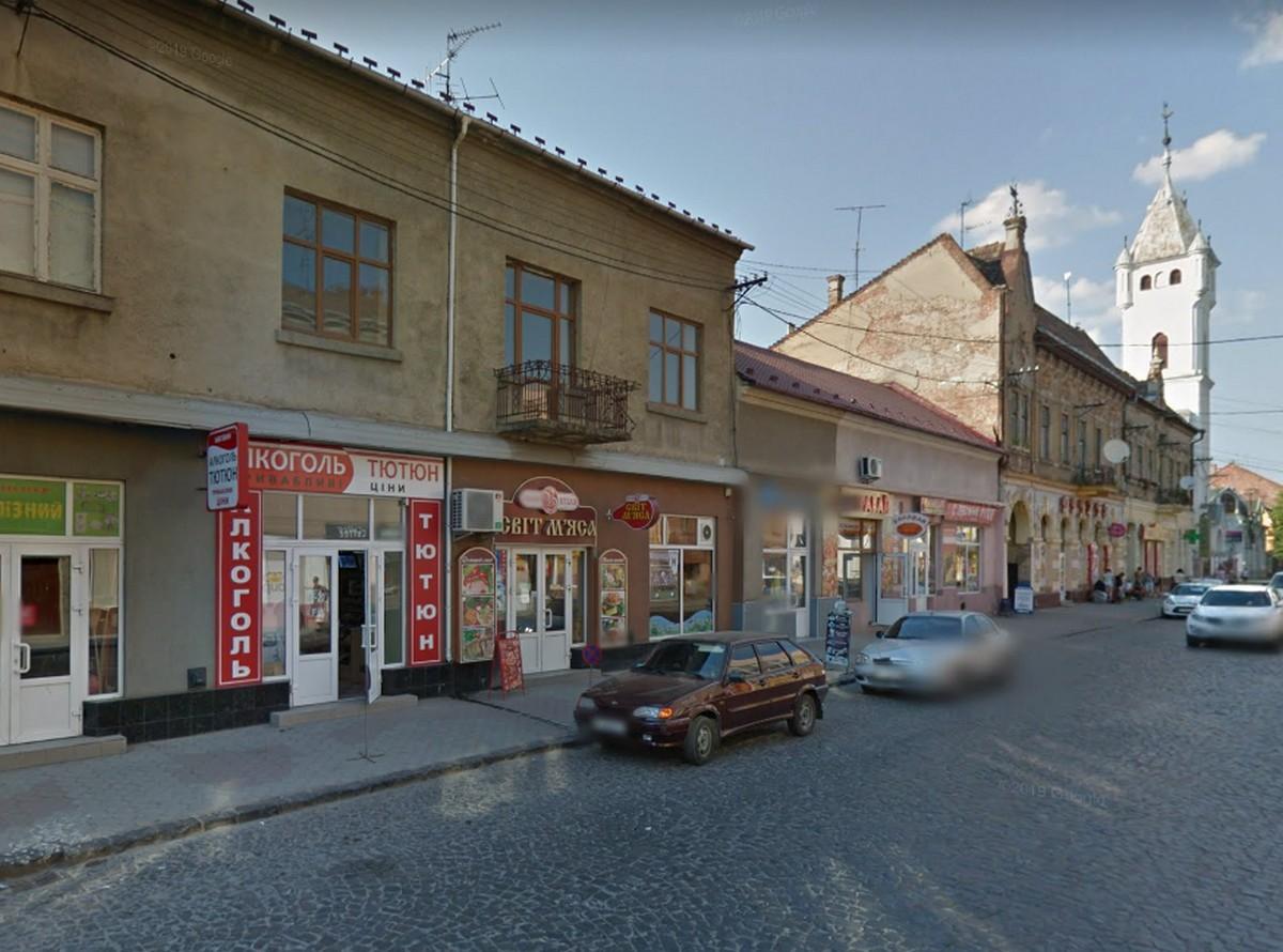 Із наступного року паркування на центральних вулицях Мукачева буде платним