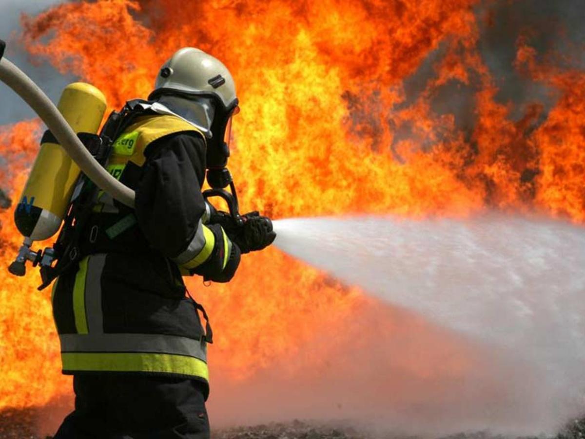 У Чинадієві вирувала пожежа