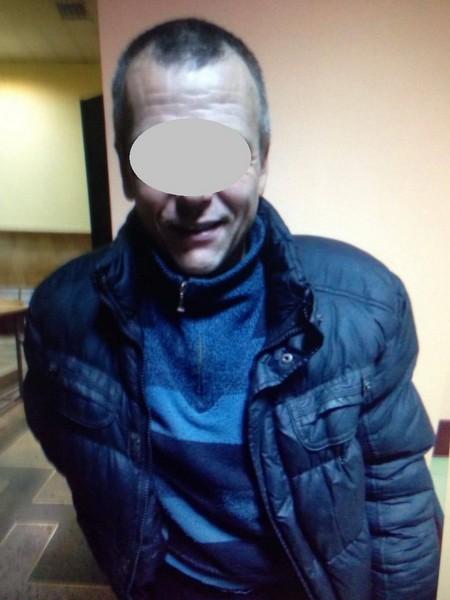 45-річного чоловіка звинувачують у сексуальній експлуатації неповнолітніх