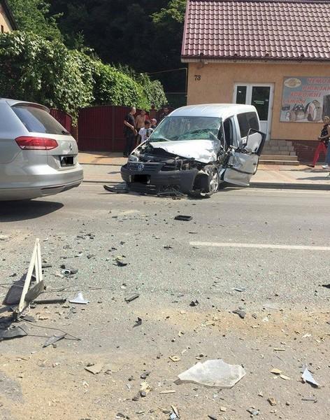 Зіткнулися два автомобілі: серед постраждалих – дитина