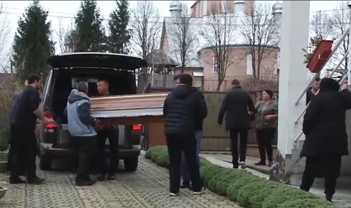 Поховали заробітчан, які загинули у Чехії