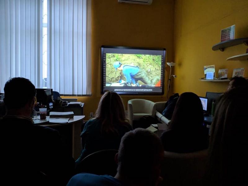 Перегляд документального фільму про ініціативу Pet Kupa