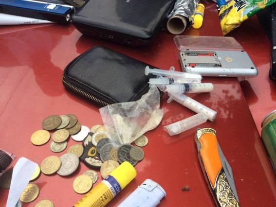 Спецоперація у Мукачеві: за торгівлю наркотиками правоохоронці затримали прикордонника