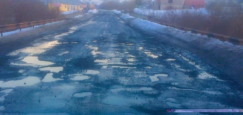 Дороги Воловеччини не витримали зимовий період