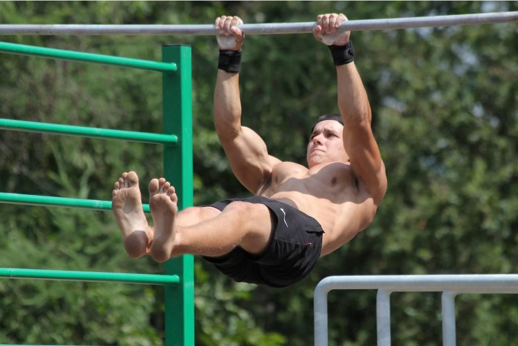 Street Workout у Мукачеві: спортсмени показали неймовірні вміння