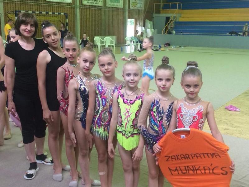 Мукачівські гімнастки зайняли призові місця на змаганнях в сусідній Угорщині