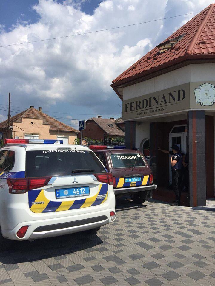 У Мукачеві замінували ресторан?